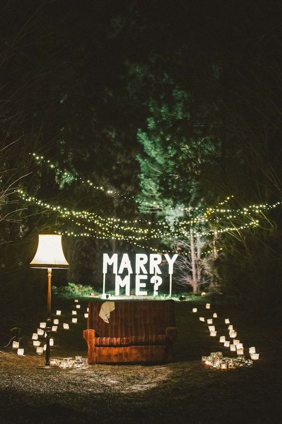 Awesome Ideas for a Christmas Proposal! | Bridal Musings Wedding Blog