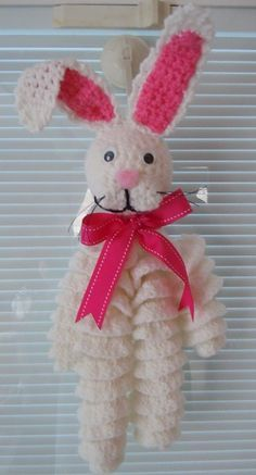 Easter bunny crochet pattern AS i SAID BEFORE COULD BE ADAPTED FOR SOME OTHER CREATURE OR A DOLL!!!:
