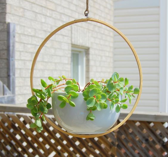 making hanging planters out of hoops and bowls
