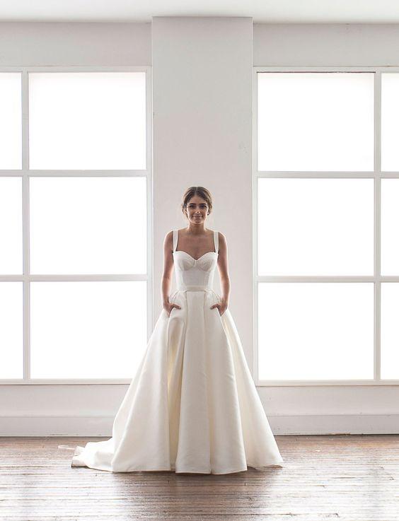 Karen Willis Holmes wedding dress with pockets