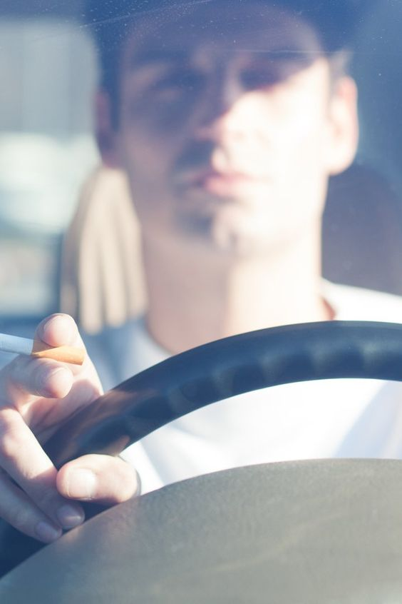 Drivers Could Soon Get Fined For Smoking With Kids in the Car