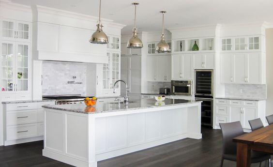 Encore tendance cuisines blanches white kitchens for Armoires de cuisine photos