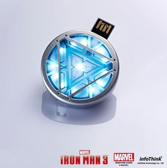 Isso é legal do dia: Pen drive Reator Arc do Iron Man tem LED que se acende e pode ser carregado no peito | ROCK N TECH