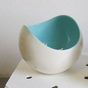 Spot bowl