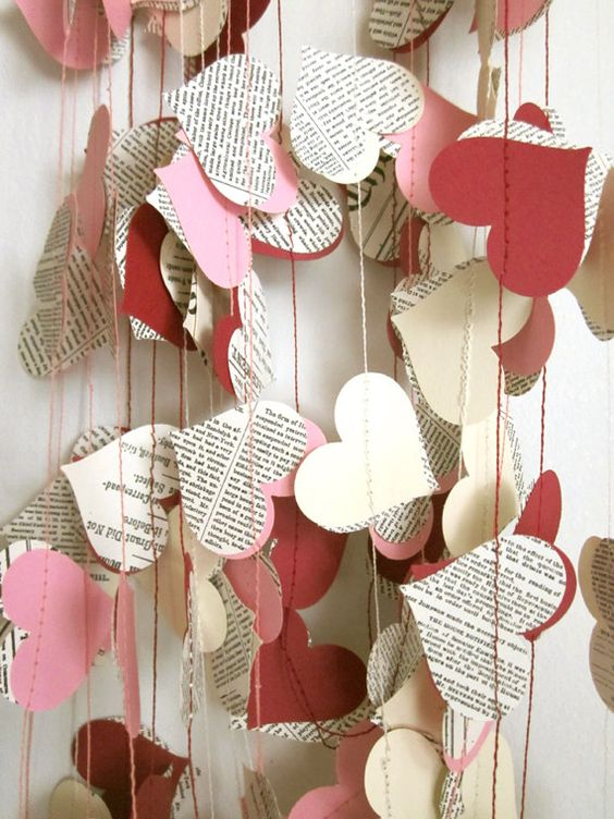 Livre papier Garland - coeurs crème Garland - guirlande mariage - Upcycled papier coeurs - Valentin: