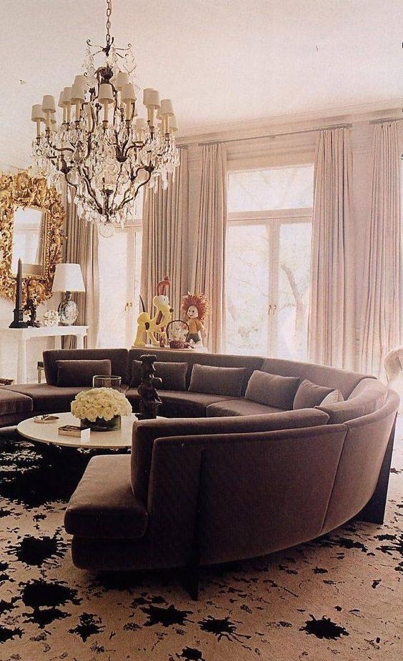 Curved lounge