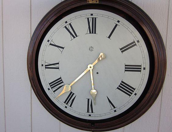 "Huge 34"" Waterbury Oak Gallery Wall Clock 24"" Dial & 30-day Movement"