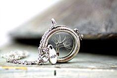 Echte Pusteblumen GlasMedaillonKette WISH von Villa Sorgenfrei - Schmuck aus Naturmaterialien. Uhren, Medaillons und mehr. auf DaWanda.com