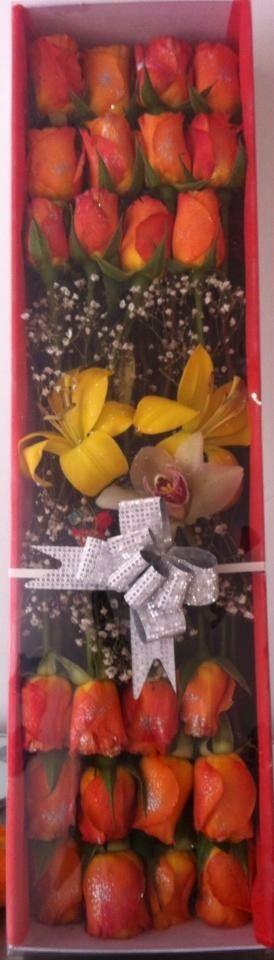 Caja de Rosas y Lirios Pedidos 3105628710