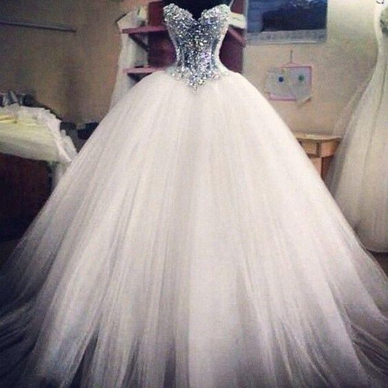 2015 Ball Gown Wedding Dresses Sweetheart Corset See Through Floor Length Bridal Princess Gowns Beaded Lace Wedding Dresses with Pearls