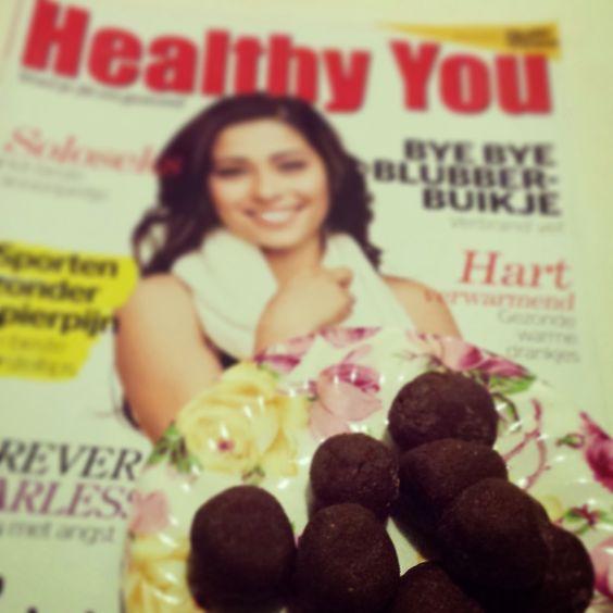 Heerlijke Post Workout Choco Balletjes met Proteïne Poeder om lekker van te snoepen tijdens het lezen van een tijdschrift