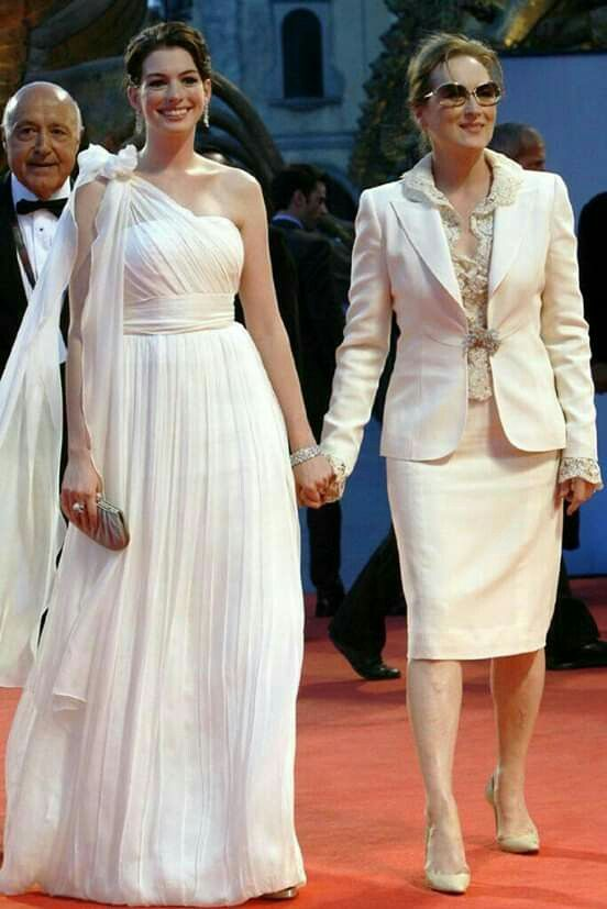 Pin De Annie Khan Em Celebrity Em 2020 Com Imagens O Diabo