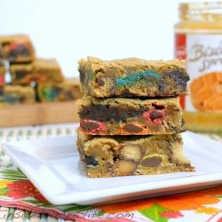 Monster Cookie Blonde Brownies - Blonde brownies filled with all the fillings of a monster cookie.
