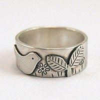 Tiny bird in the garden - ring
