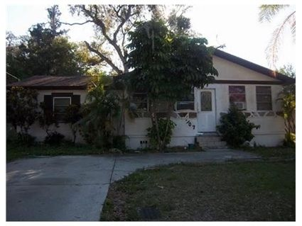 707 South Lake Dr, Clearwater, FL 33756 u2014 Short Sale - active with - house sales contract
