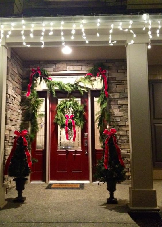 Decorating home front door design christmas decorations for Home front door ideas
