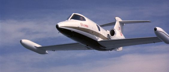 Airport (1975) This small plane to crashes into Columbia Flt #409