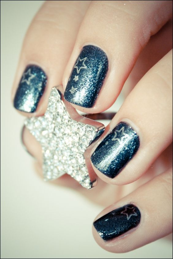 http://pshiiit.com/: Manicures Swatches, Art Blue, Nail 3, Nail Art, Gorgeous Manicures