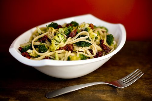 Spicy Lemon Pepper Pasta with Broccoli (and sun dried tomatoes!!) #JustinRaymundo
