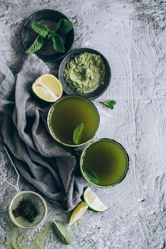 Moringa and green tea for natural detoxification #detox #moringa | TheAwesomeGreen.com