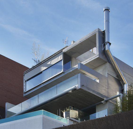 Balcon #moderno #casas via @planreforma #fachada Balcones - balcones modernos
