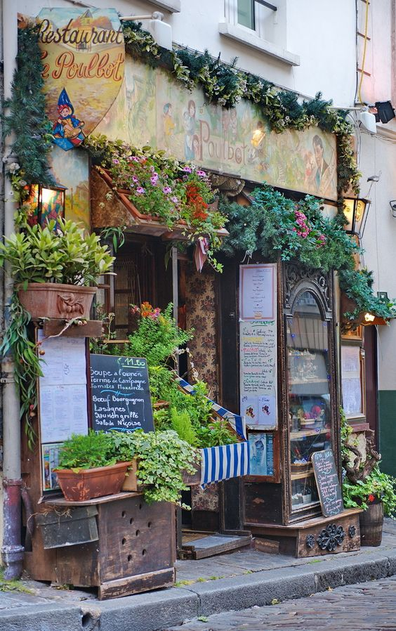 Restaurant store fronts and shopping on pinterest for Le miroir restaurant montmartre