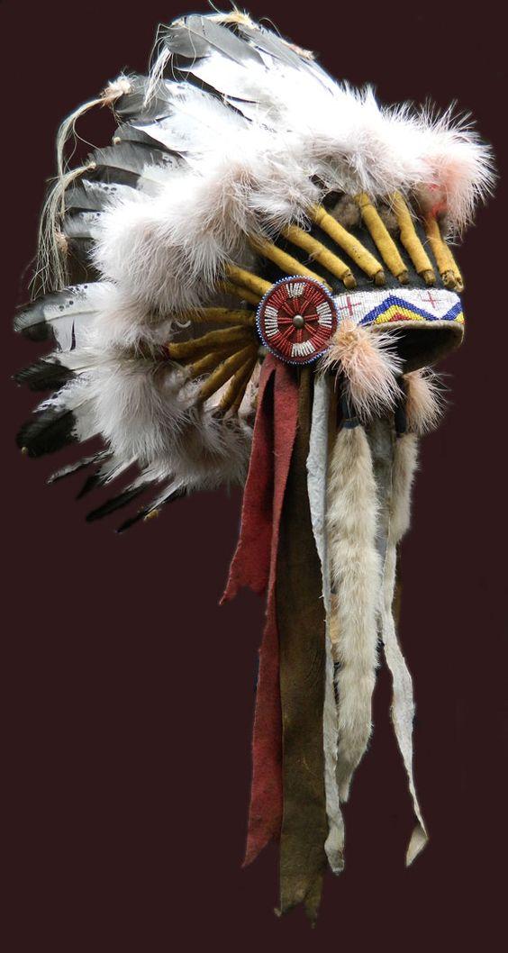 Sioux Indian headdress / war bonnet