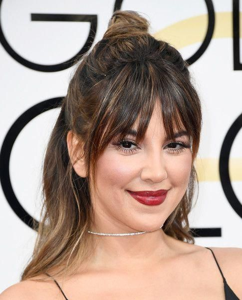 Liz Hernandez Half Up Half Down - Liz Hernandez kept it youthful with this messy half-up hairstyle at the Golden Globes. #Shorthairhalfuphalfdown