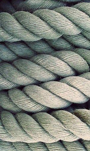 Agrupación de cuerdas, predominando como motivo las líneas entrelazadas. http://topratedhammocks.com/ has some tips and advice on choosing the right hammock for your residential and\or recreational needs.