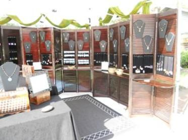 Booth Walls For Craft Shows Indoor And Outdoor Ideas Craft Show Booths Diy Jewelry Display Craft Fairs Booth