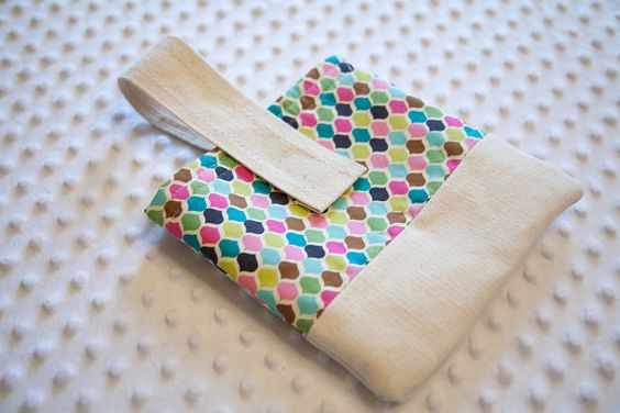diaper & wipes pouch. love this pattern.