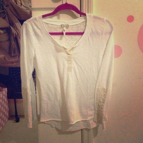 REDUCEDKirra shirt new Kirra Tops