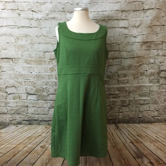 LOFT Kelly Green Pinup Midi Dress Sz 8 Dry cleaned and ready to wear.  No rips, stains or tears    Fabric is stretchy Back zip Polyester blend   Machine wash  Measurements when laid flat: Bust: 18 Waist: 16.5 Hips: 18 Length from top of shoulder to hem: 35 Length from under arm to hem: 28 