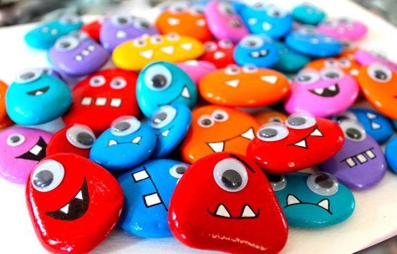 Steine bemalen farbige Monsters