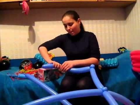 Коляска с малышом из шаров.mp4