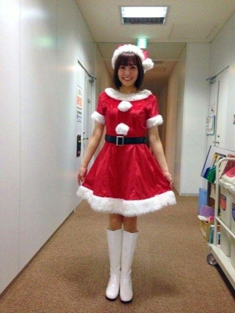 サンタ衣装の小林麻耶