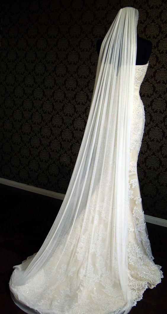 #novias #bridapinterest los velos de tul de seda lucen hermosos, ideal para vestidos de encaje