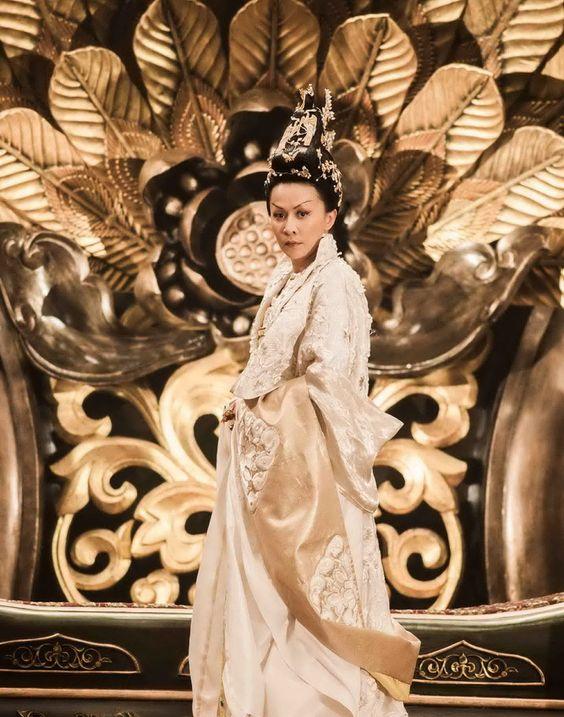 Young Detective Dee: Rise of the Sea Dragon - Carina Lau as Wu Zetian #hanfu