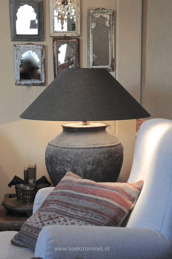 Hoffz fauteuil met oude kruiklamp living room pinterest lamps and met - Oude huisdecoratie ...