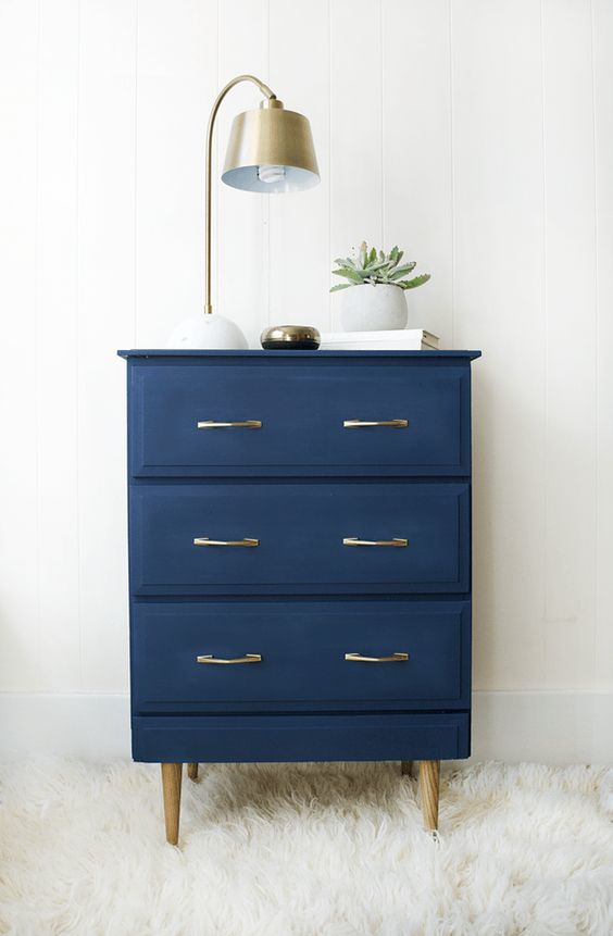 Modern Navy Nightstand Makeover - brepurposed: