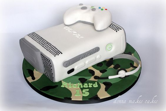 Xbox 360 cake by donna_makes_cakes, via Flickr