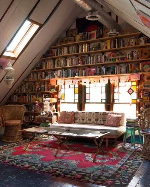 Liked this wonderful library in the attic, although I couldn't trace it in the blog...: