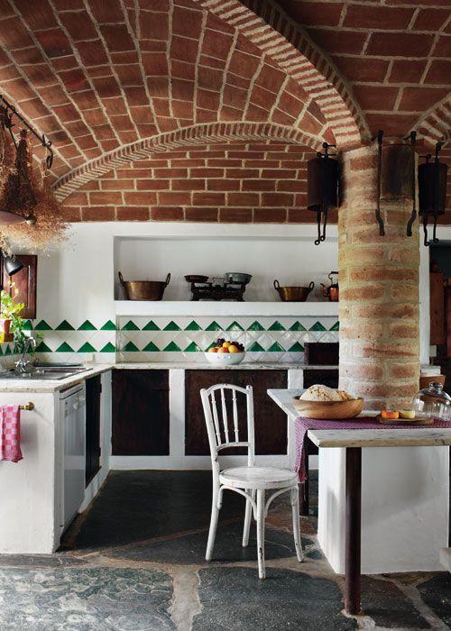 Encimera de m rmol azulejo portugu s muebles de obra con - Cocina de ladrillo ...