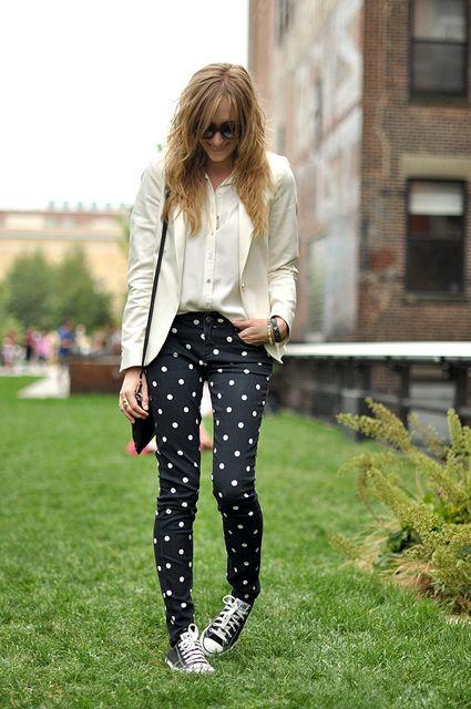 black + white + spots: Dots Pants, Polka Dots, Polka Dot Jeans, Polka Dot Pants, White Blazer, Dots Converse, Amazing Jeans, Blazer Converse