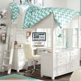 me gusta la colcha porque es aqua y pega con el puf, además es original idea de cama arriba y escritorio abajo
