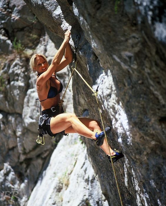 female extreme climber and - photo #2