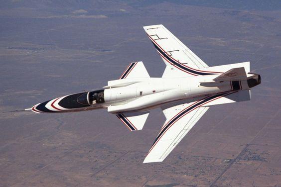 O Grumman X-29 foi um avião experimental baseado no caça F-5 Tiger (NASA)