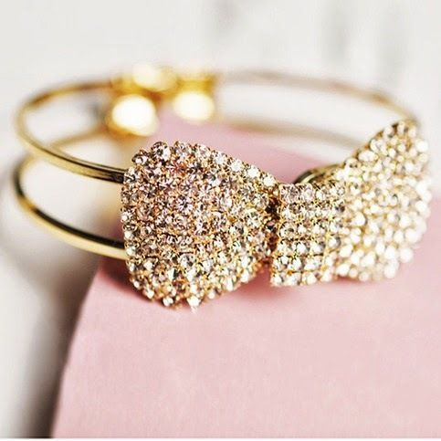 accessories :) bow bracelet! Sparkly :)