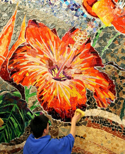 Mosaics murals and chicago on pinterest for Broken glass mural