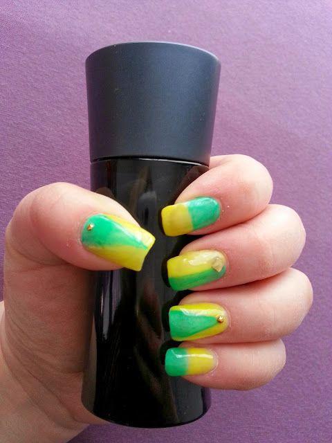 Marenia Gloria: Frühlingsnägel Nail Nailart Nailbook Nails green yellow spring